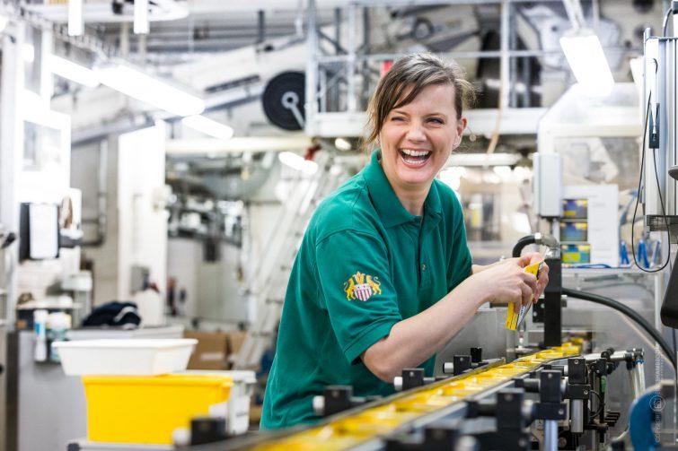 In Industrieanlagen begegne ich tolle Mitarbeiter! | © Eric Shambroom Photography