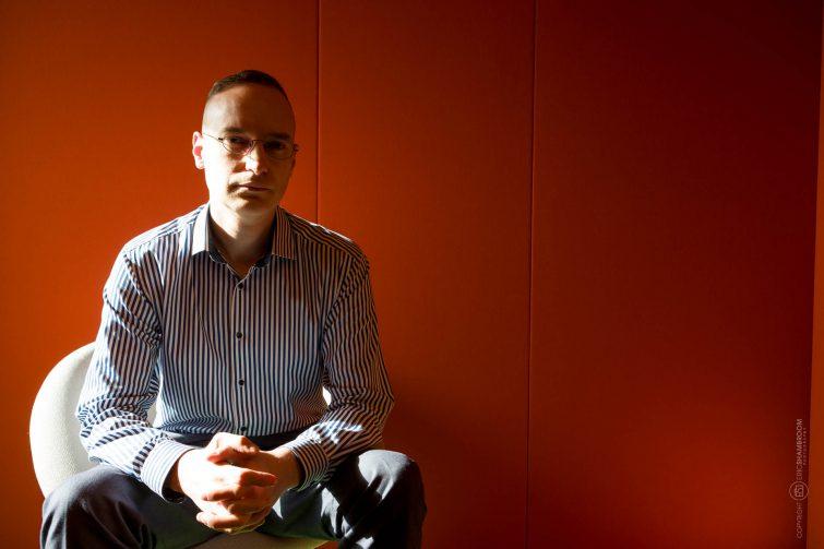 Warren Quick, Barclaycard. Wir haben eine ruhige Sitzecke im Bürogebäude gefunden. | © Eric Shambroom Photography