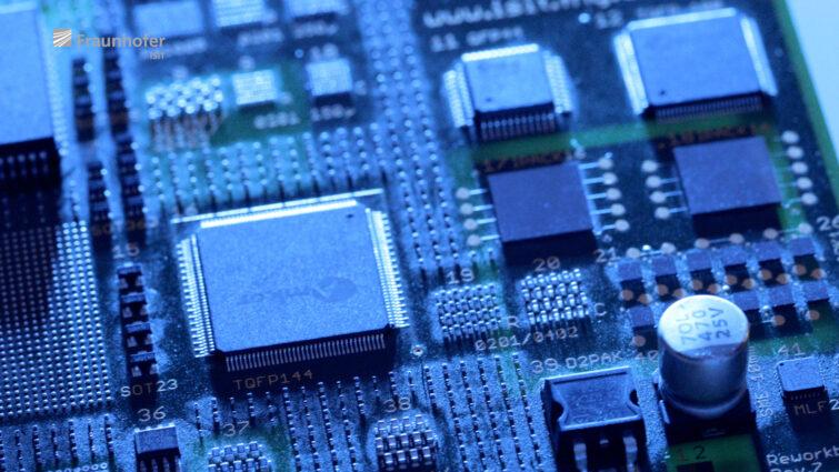 Microelektronik  | © Eric Shambroom Photography